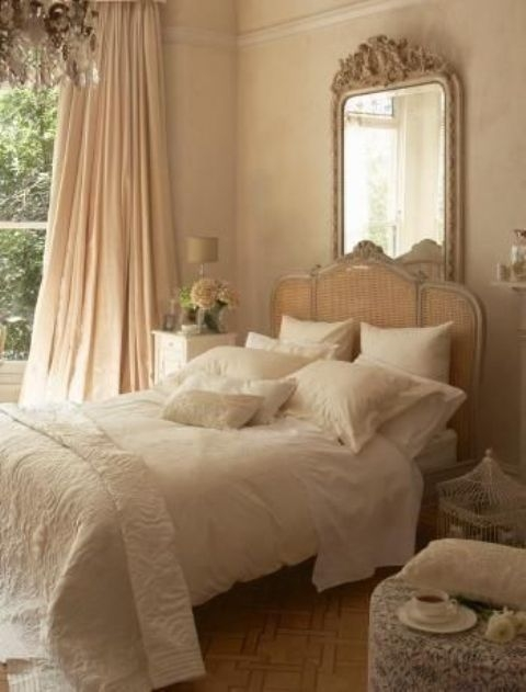 29 Romantic And Beautiful Provence Bedroom Décor Ideas  Digsdigs