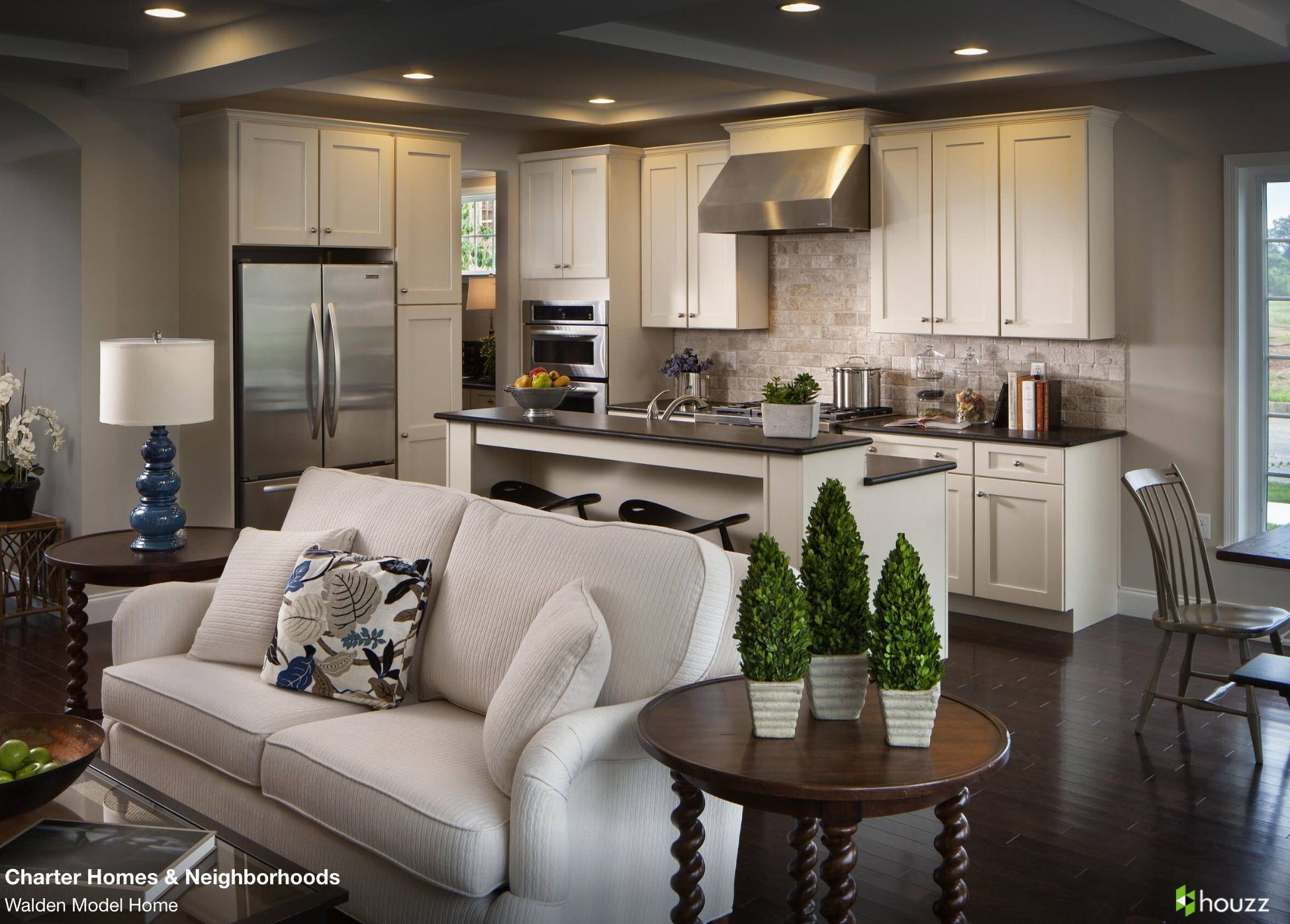 Beautiful Open Kitchen And Living Room Area Love The Feel Of The Open Rooms Leadi…  Diseño De