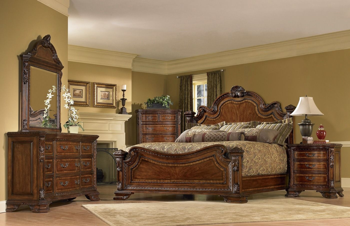 Old World Bedroom Set  European Style Bedroom Furniture